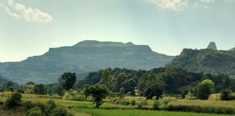 Ratangad_fort_from_ratanwadi